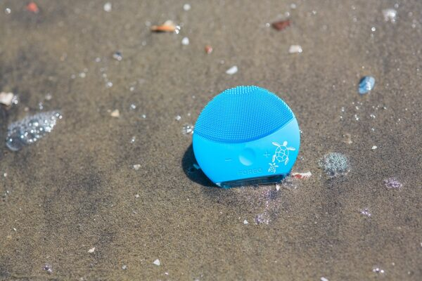 Saving the Sea with LUNA mini 2 Facial Cleanser