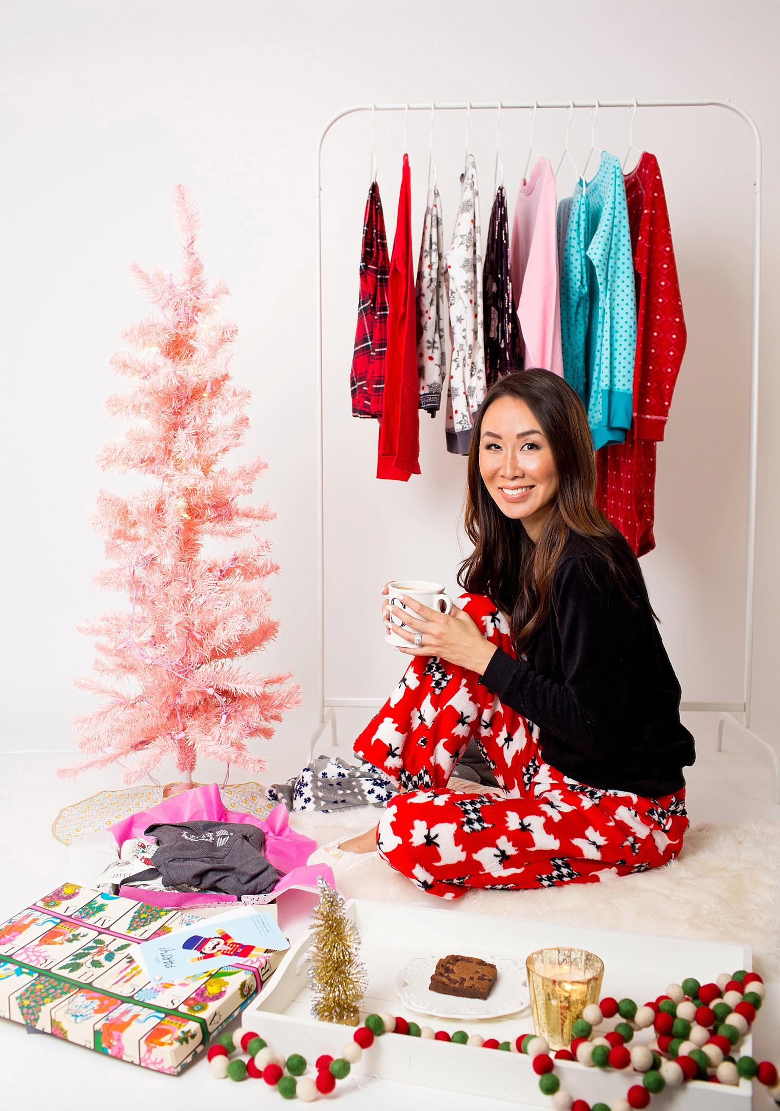 hanes-christmas-pajamas-girls-pajama-party-ideas-cute-jammies-diana-elizabeth-lifestyle-fashion-blogger-phoenix-arizona-1695a