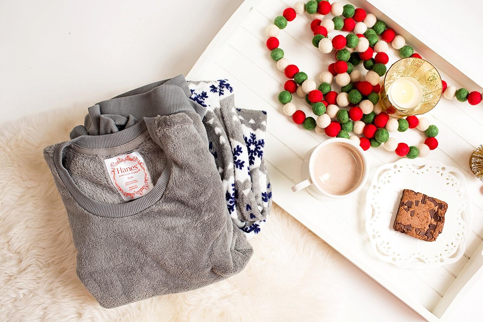 hanes-christmas-pajamas-girls-pajama-party-ideas-cute-jammies-diana-elizabeth-lifestyle-fashion-blogger-phoenix-arizona-1756