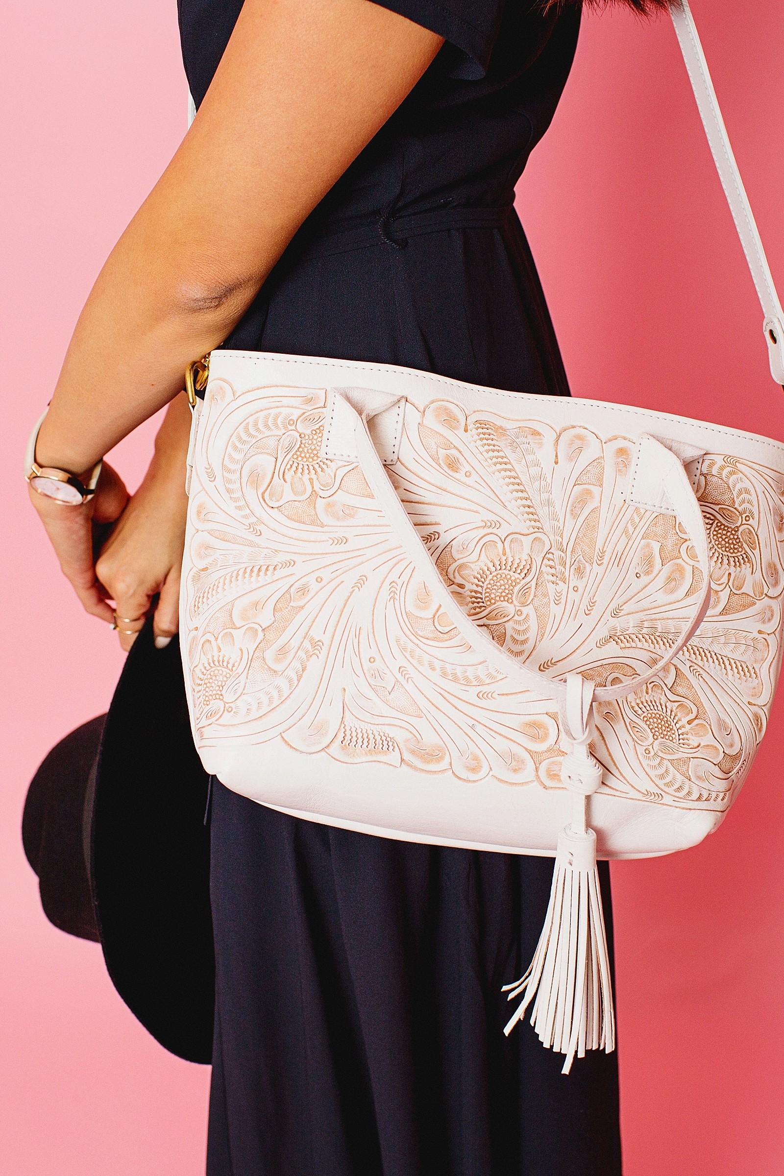 leather-tooled-purse-white-handbag-mexico-buy-order-chiseled-western-tassel-tote-purse-diana-elizabeth-lifestyle-fashion-blogger-phoenix-arizona-1504