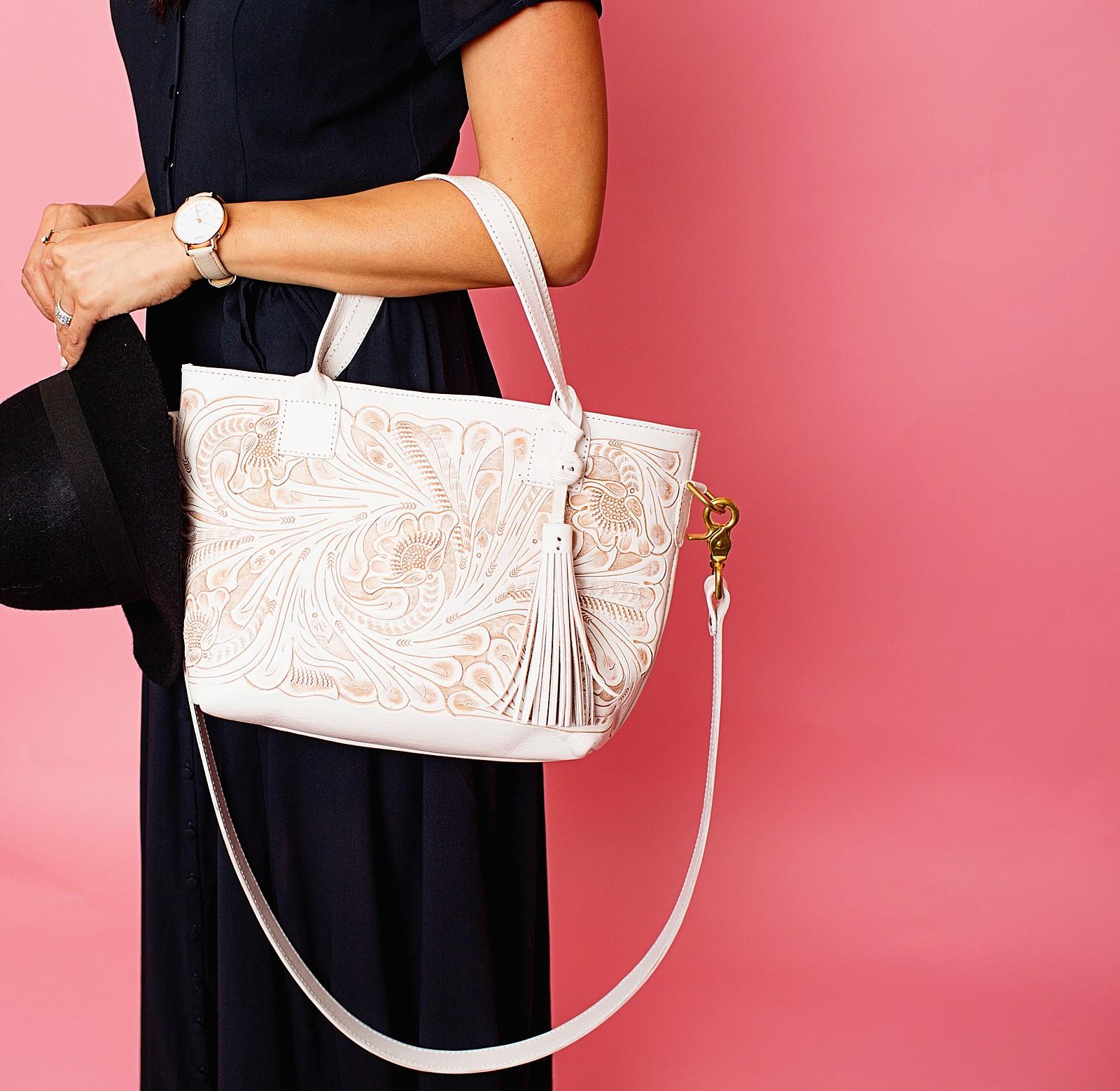 leather-tooled-purse-white-handbag-mexico-buy-order-chiseled-western-tassel-tote-purse-diana-elizabeth-lifestyle-fashion-blogger-phoenix-arizona-1515