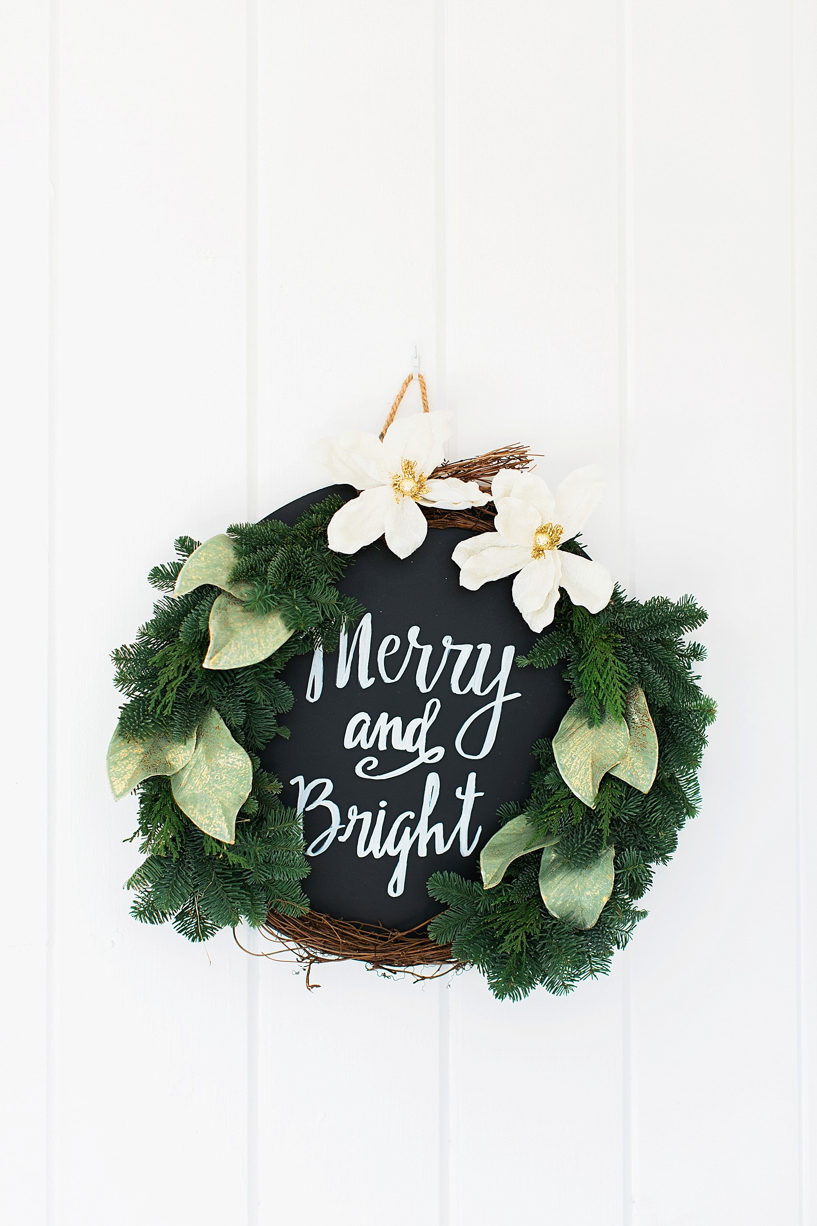 pro-flowers-sign-christmas-wreath-3072