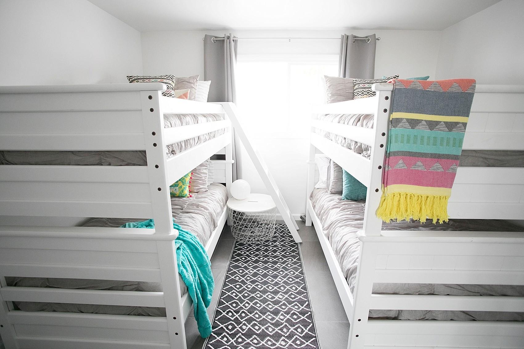 bunk bed vacation rental bedroom