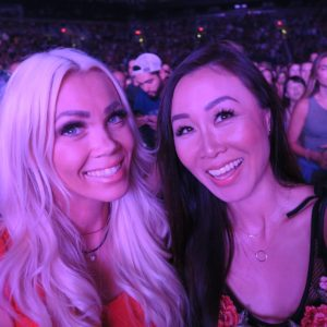 Selfie of Diana Elizabeth blogger and friend at John Mayer concert in Phoenix