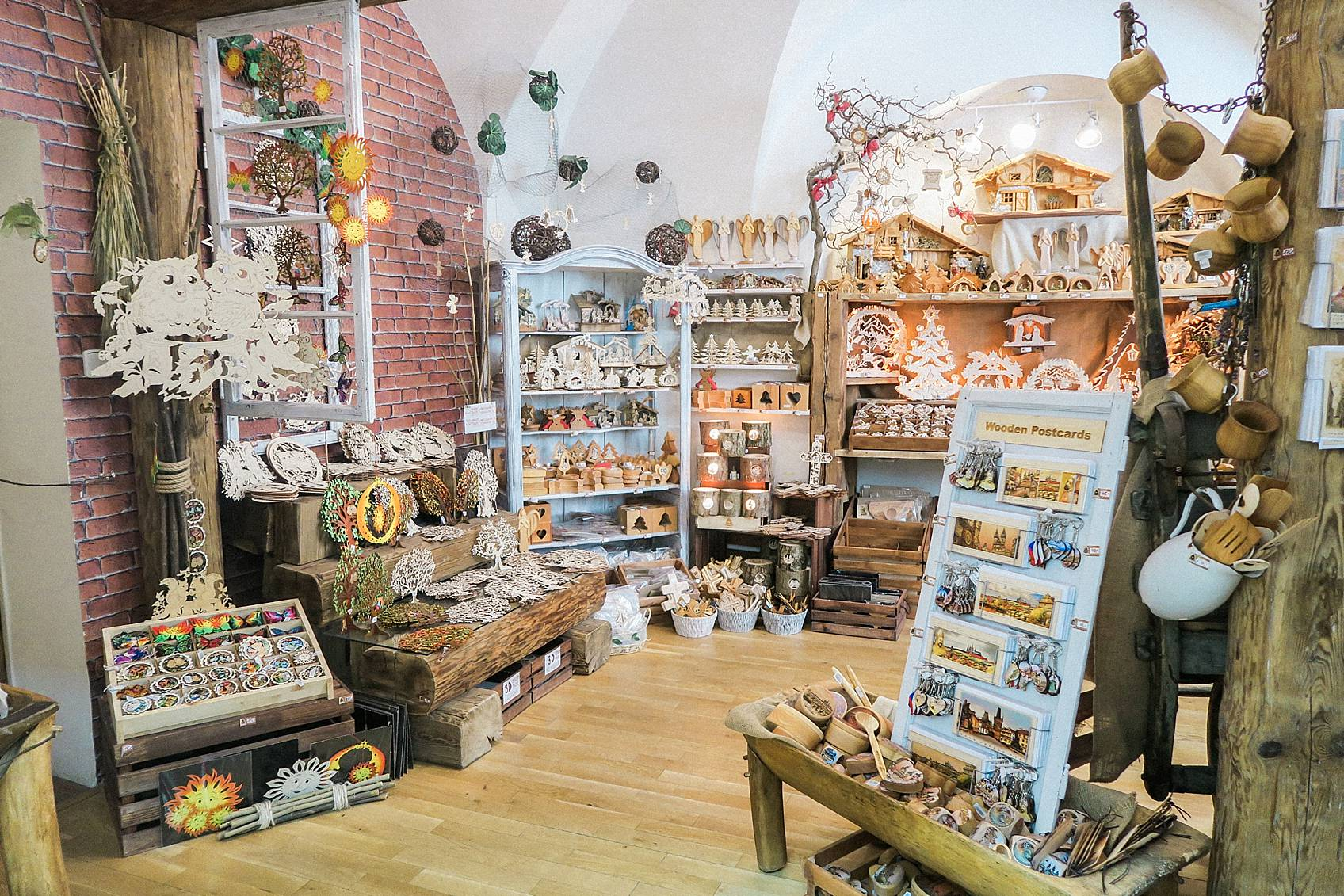 wood carving shop store in Prague