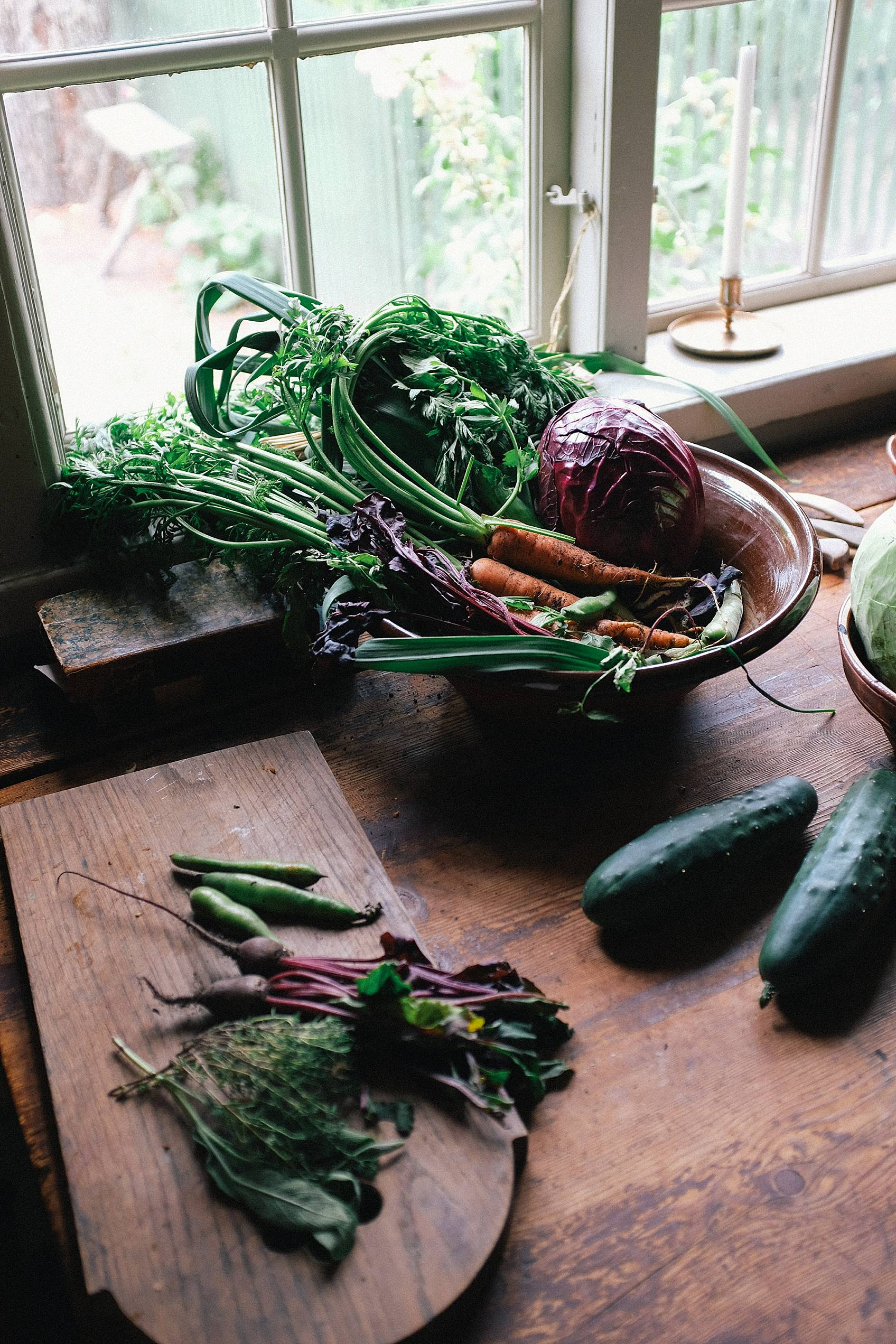 skansen stockholm cottage living decor for inspiration, vegetables in dark cottage, dark food photography