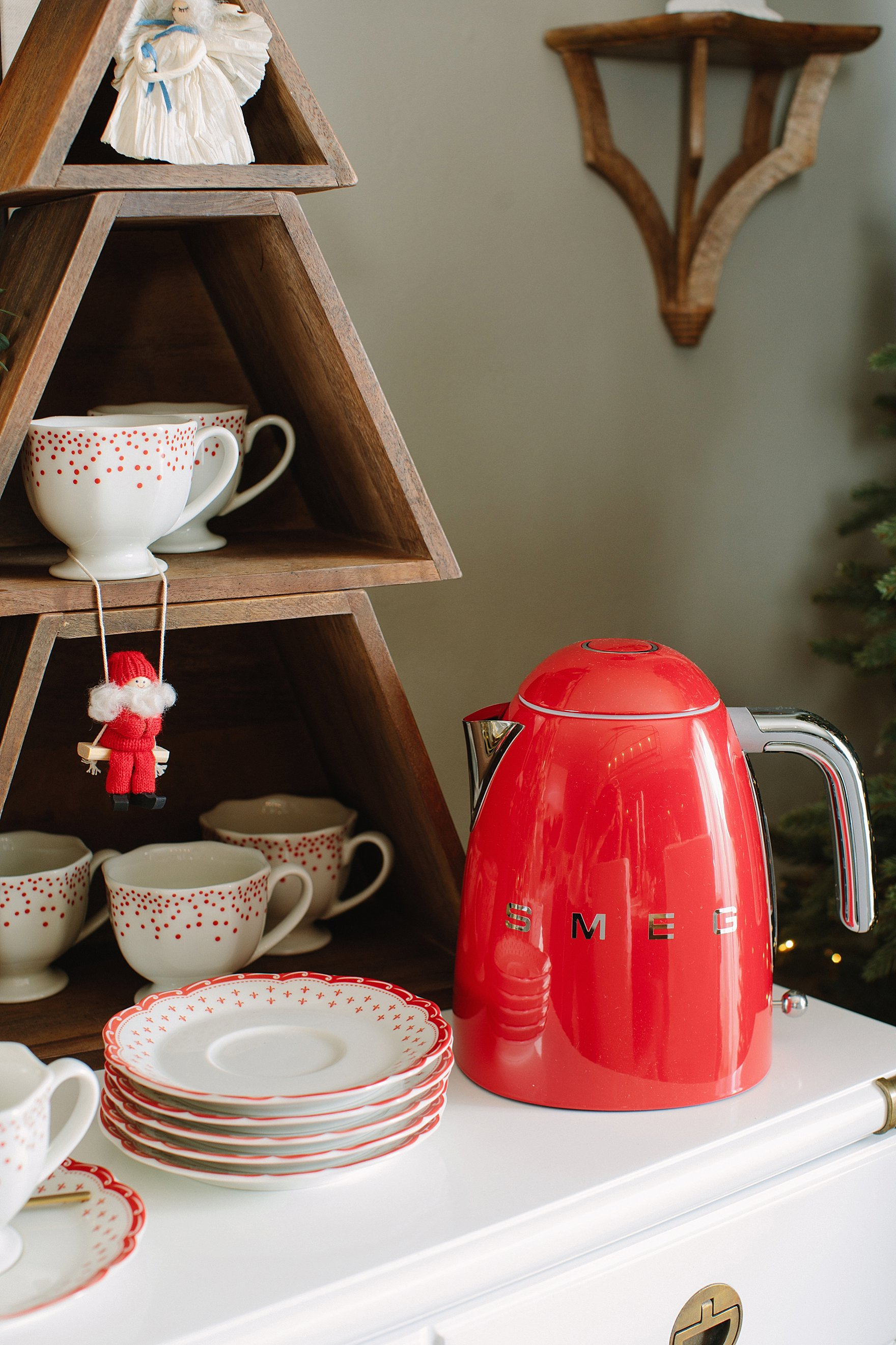 Christmas holiday tables cape inspiration red green and white Ballard Designs with blogger Diana Elizabeth - hot cocoa bar setup