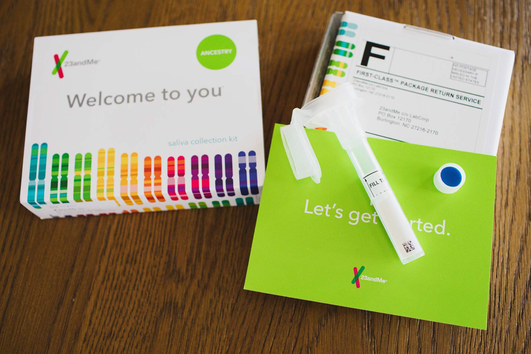 23andMe gift idea kit what is inside