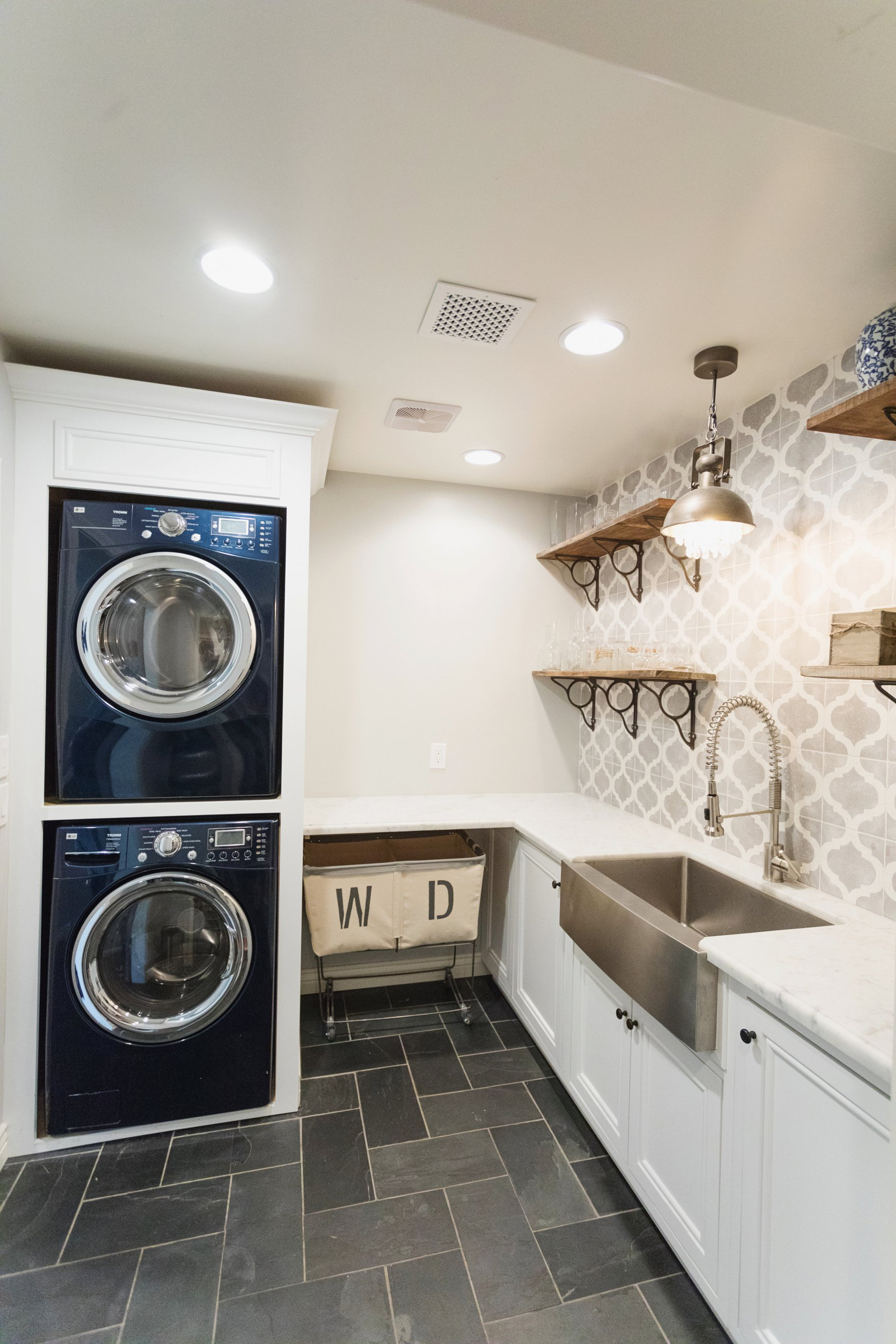 Central Phoenix arizona house tour To Have to Host Lory Parson living area spaces laundry room