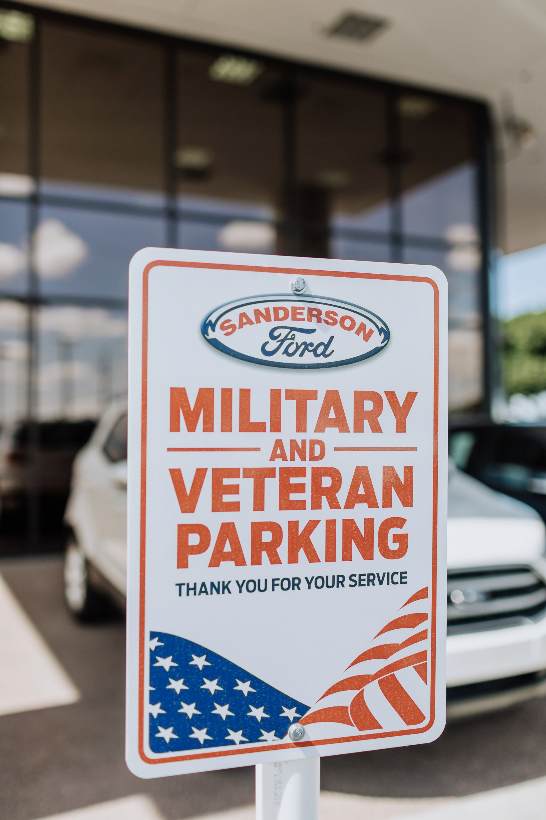 military and veteran parking at Sanderson Ford sign