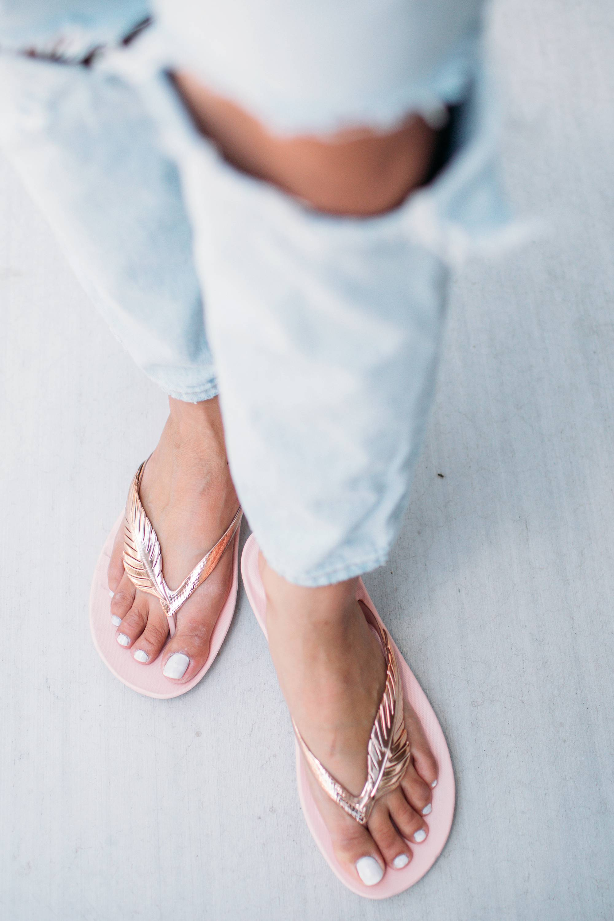 FitFlop Feather Ergonomic Flip-Flops so comfortable on phoenix lifestyle blogger Diana Elizabeth