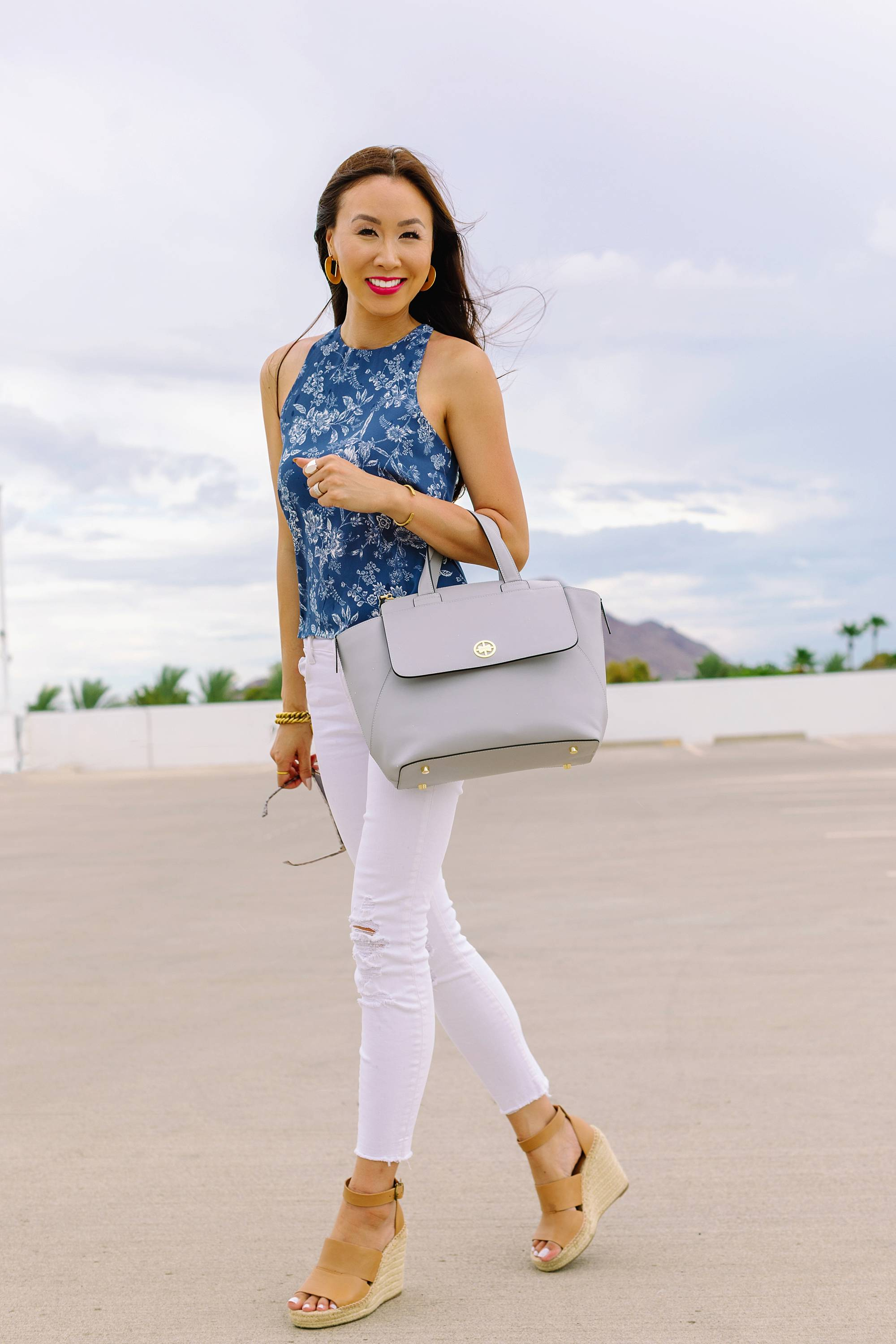 convertible backpack tote 4 in 1 tote backpack satchel and crossbody work and every day backpack by Jemma bag. Leather bag, worn by Phoenix lifestyle blogger Diana elizabeth