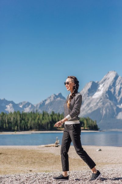 fit flop comfortable slides for travel and ergonomic shoes on blogger Diana Elizabeth phoenix travel blogger lifestyle at the Wyoming grand Tetons along the shore of Jenny lake