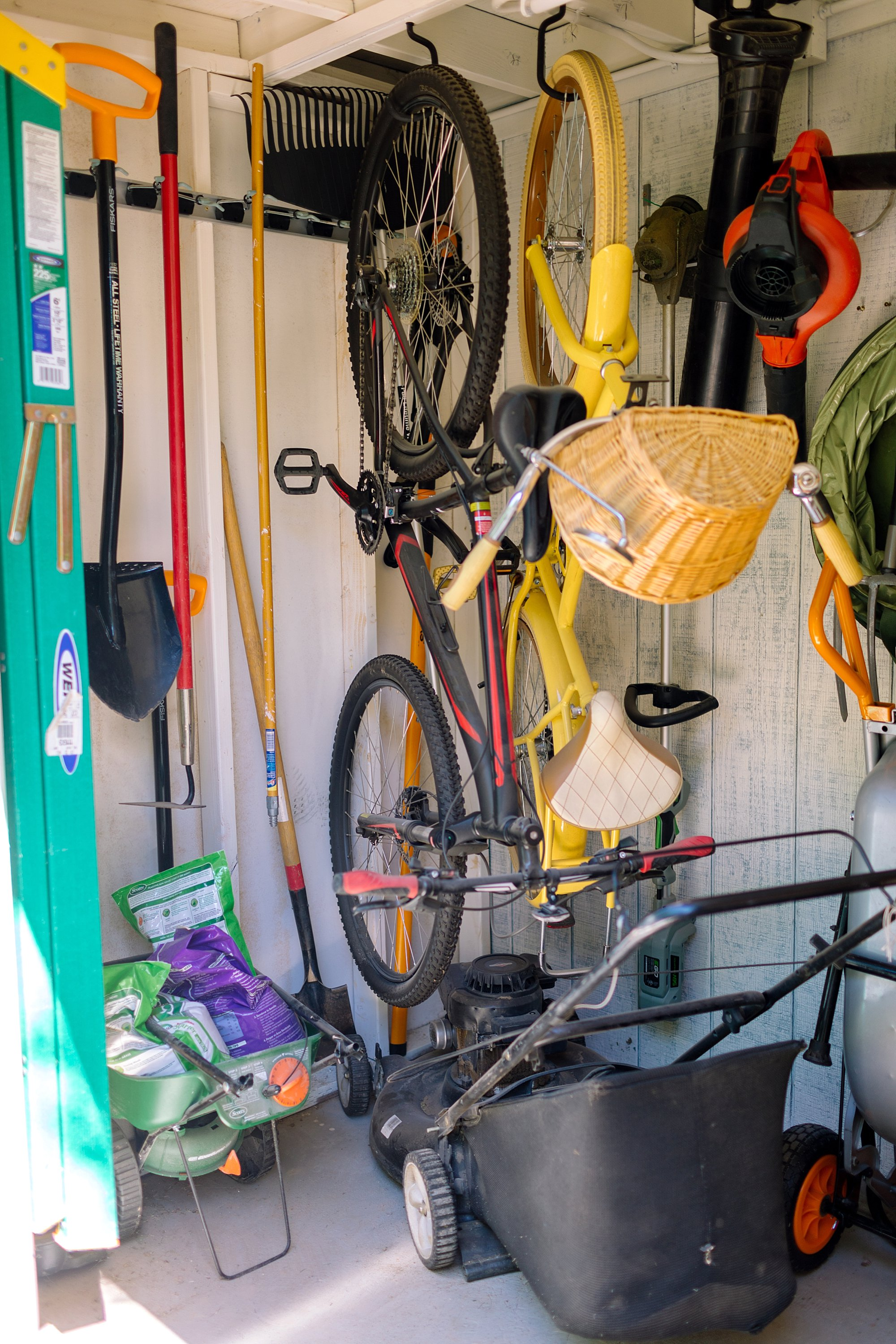 custombackyard tool shed Fiskars garden tools tour
