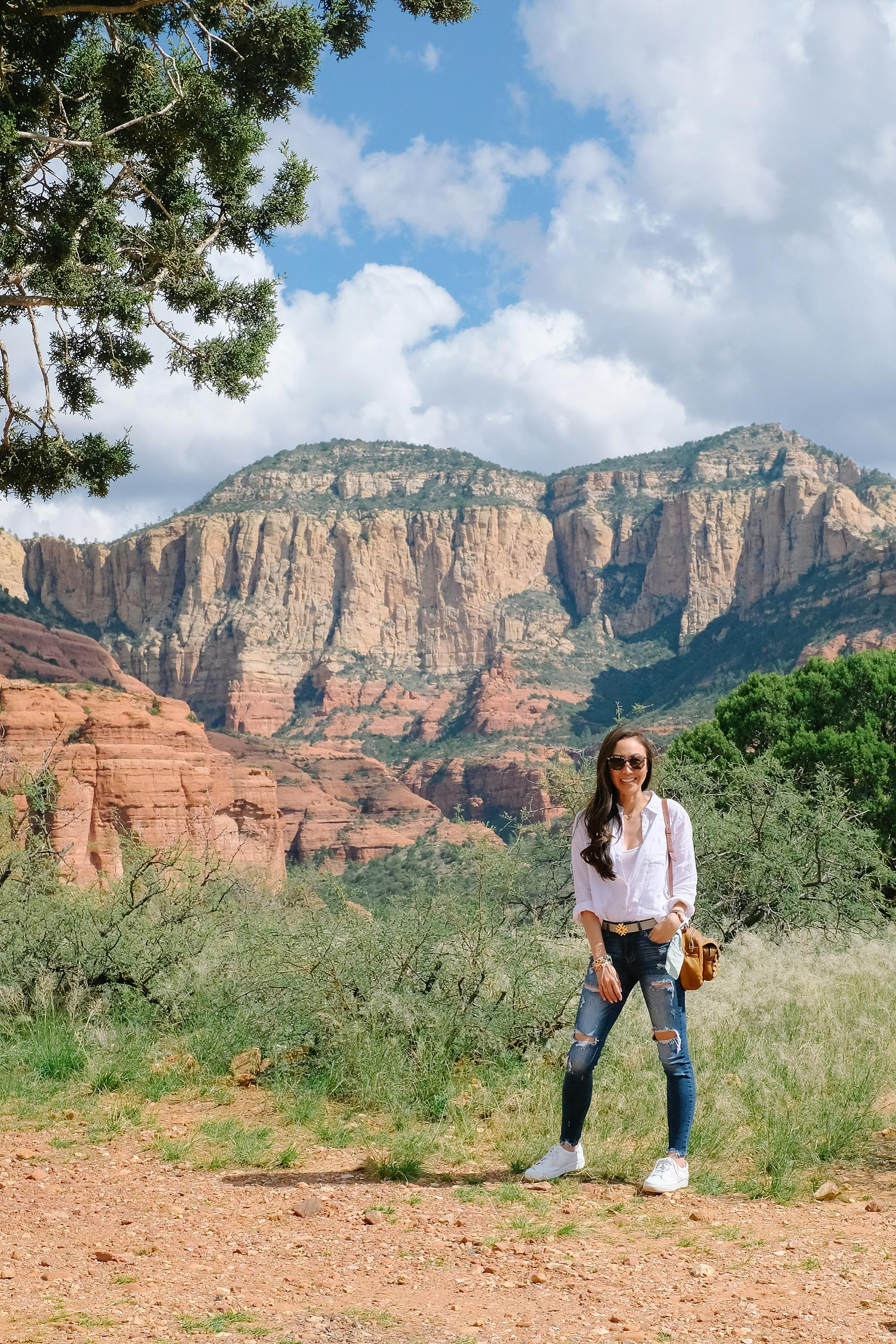 Sedona Jeep red rock tour safari at seven canyons wearing white linen top and white sneakers by FitFlop
