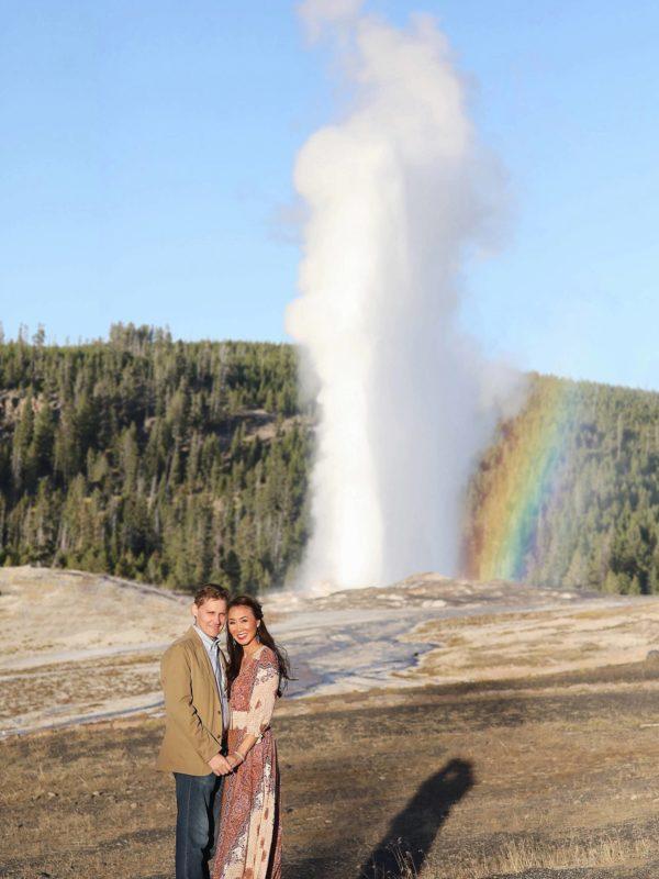 old faithful geyser in Yellowstone Diana Elizabeth lifestyle blogger travel blog