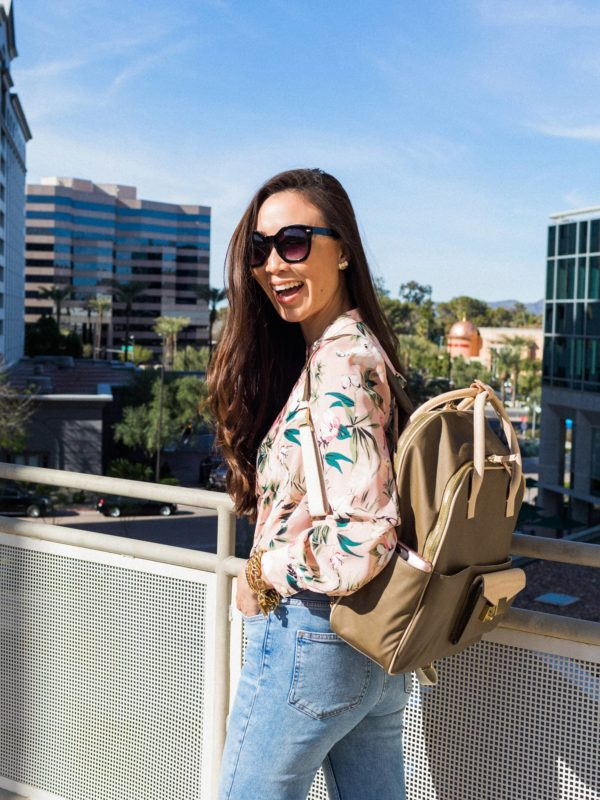 India Hicks Jet Pack backpack in army gray, gorgeous work bag can tuck in the straps. Lifestyle blogger Diana Elizabeth in Phoenix Arizona wearing Kate Spade