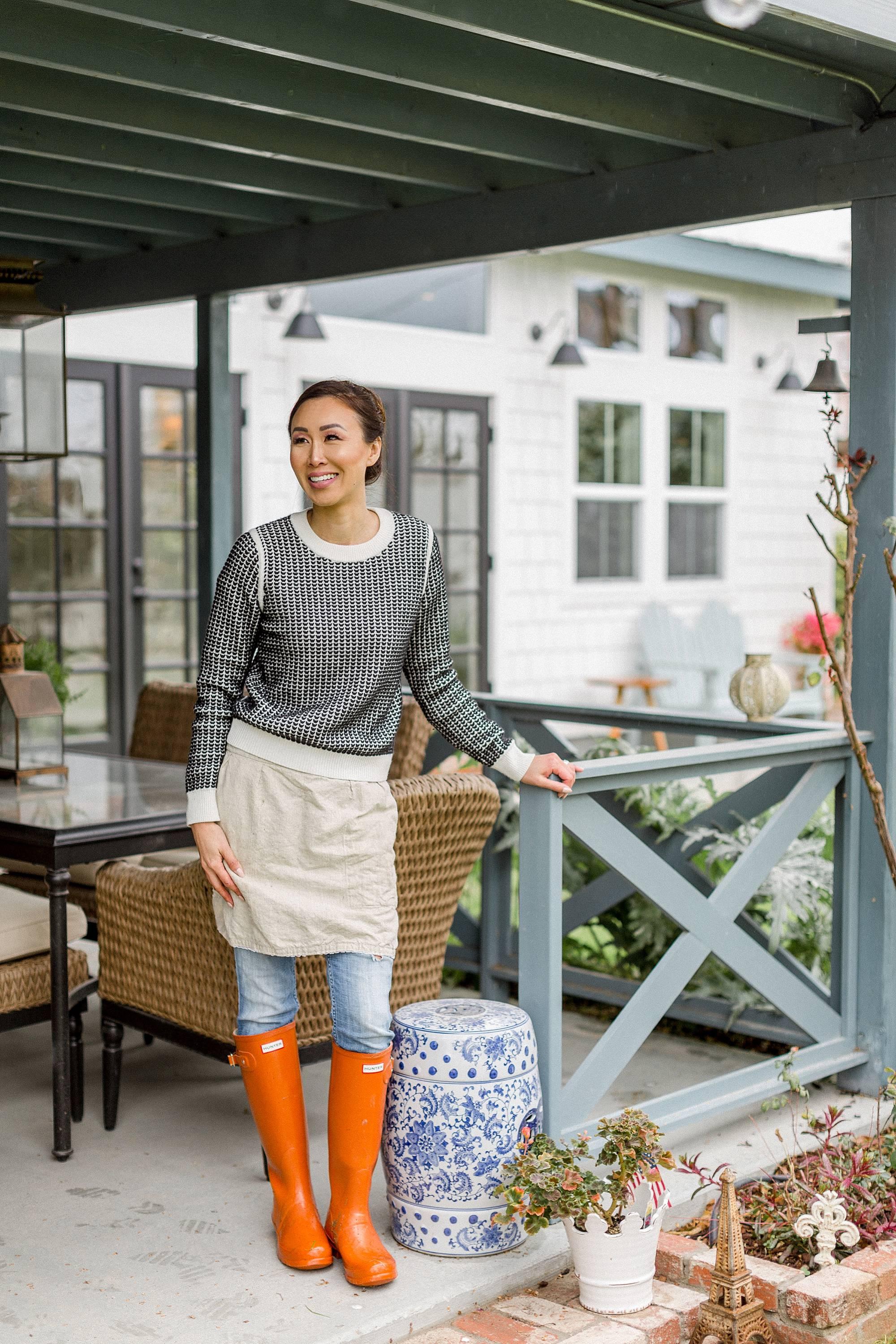 garden blogger under patio rainy winter day in the garden - dianaelizabethblog.com #garden