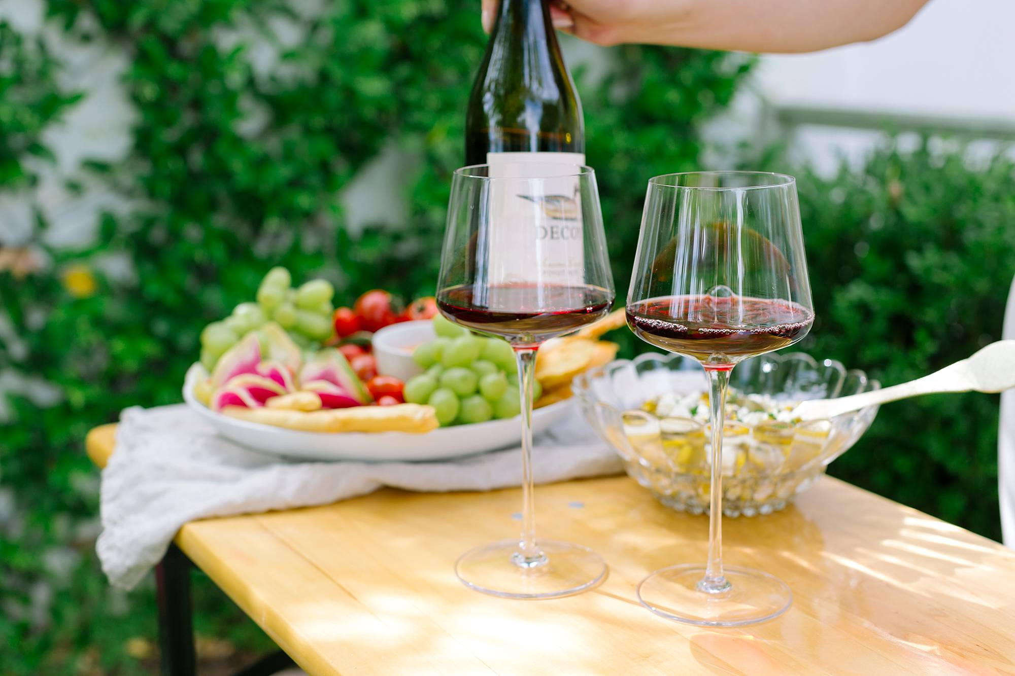 farmers market inspirational get together with decoy wine in the backyard - lifestyle blogger Diana Elizabeth in Phoenix Arizona