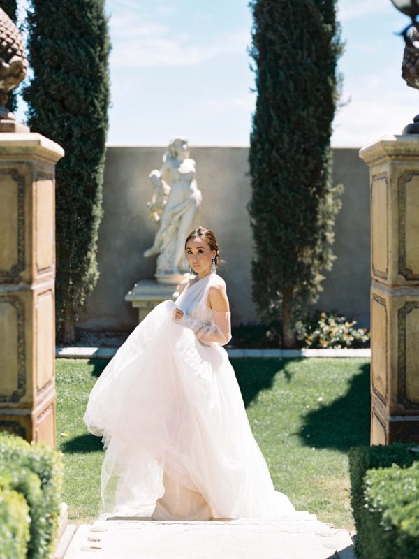 vera wang bridal gown dress Ashley castle phoenix arizona photography by Brandy Jackson model: Diana Elizabeth www.dianaelizabethblog.com