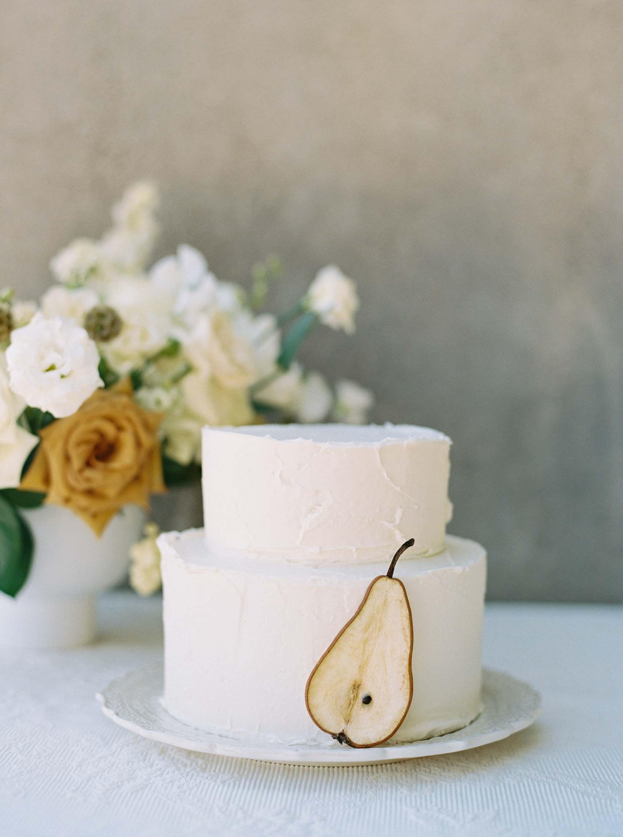 simple cake at Ashley castle arizona