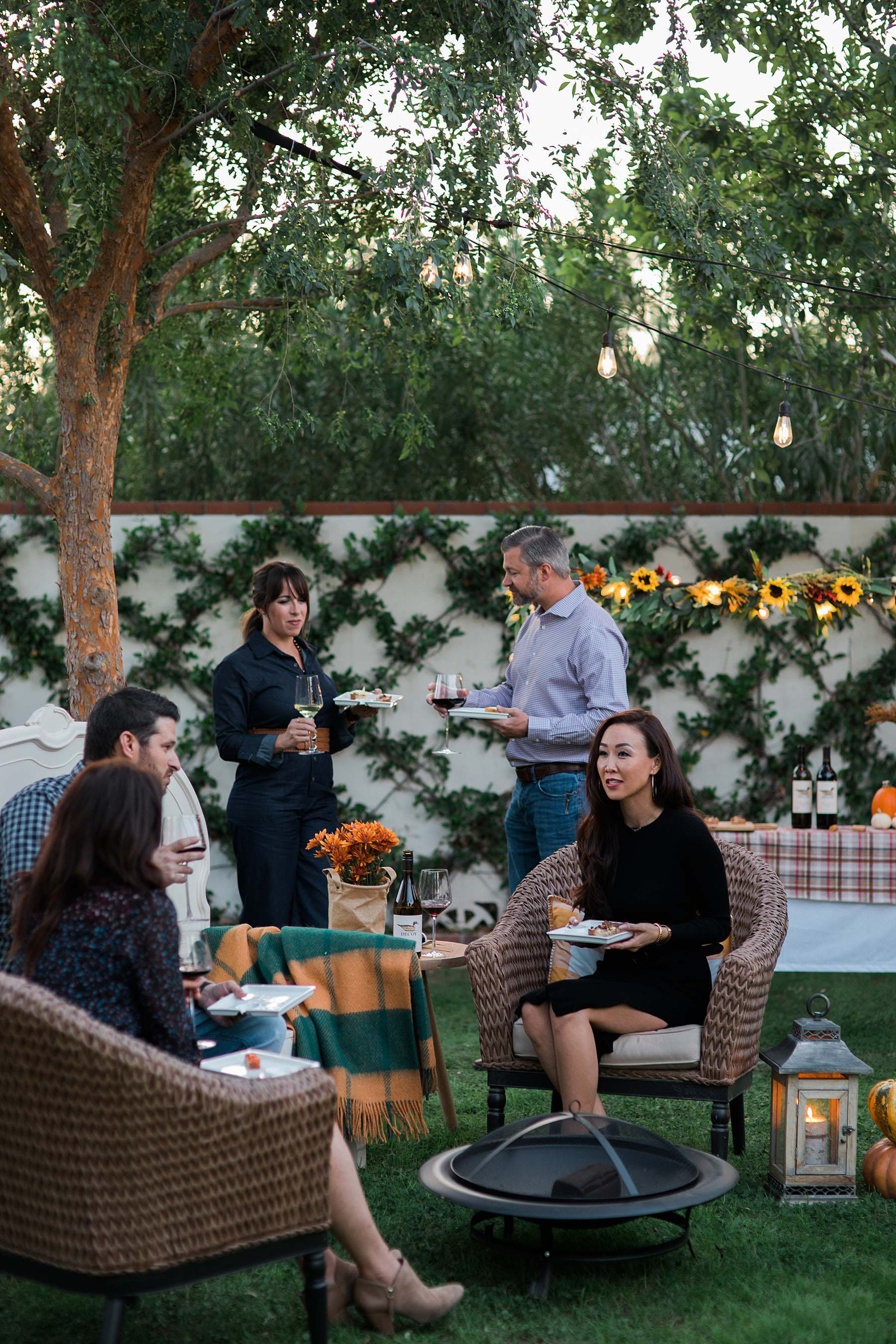decoy wine night party Friendsgiving outdoor party catch up - Diana Elizabeth blog phoenix lifestyle entertaining hostess blogger
