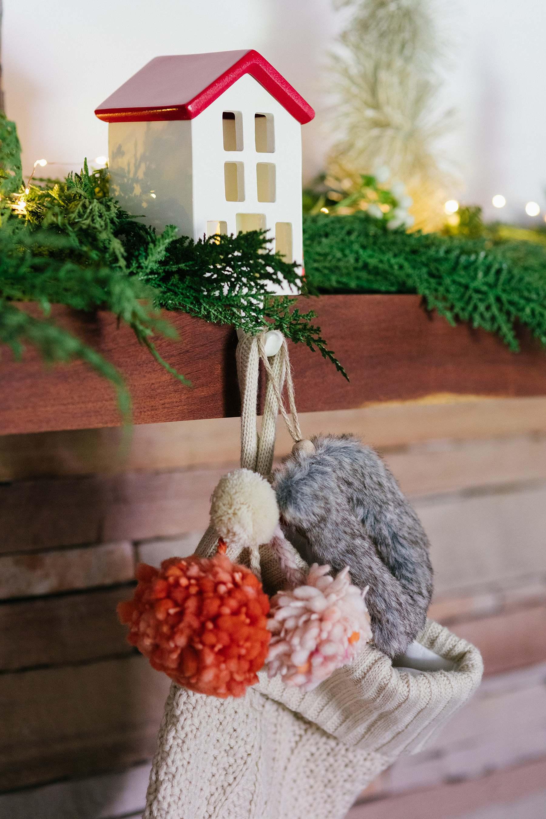 Realistic Cypress Garland, 6 foot, Gardener's (c/o)