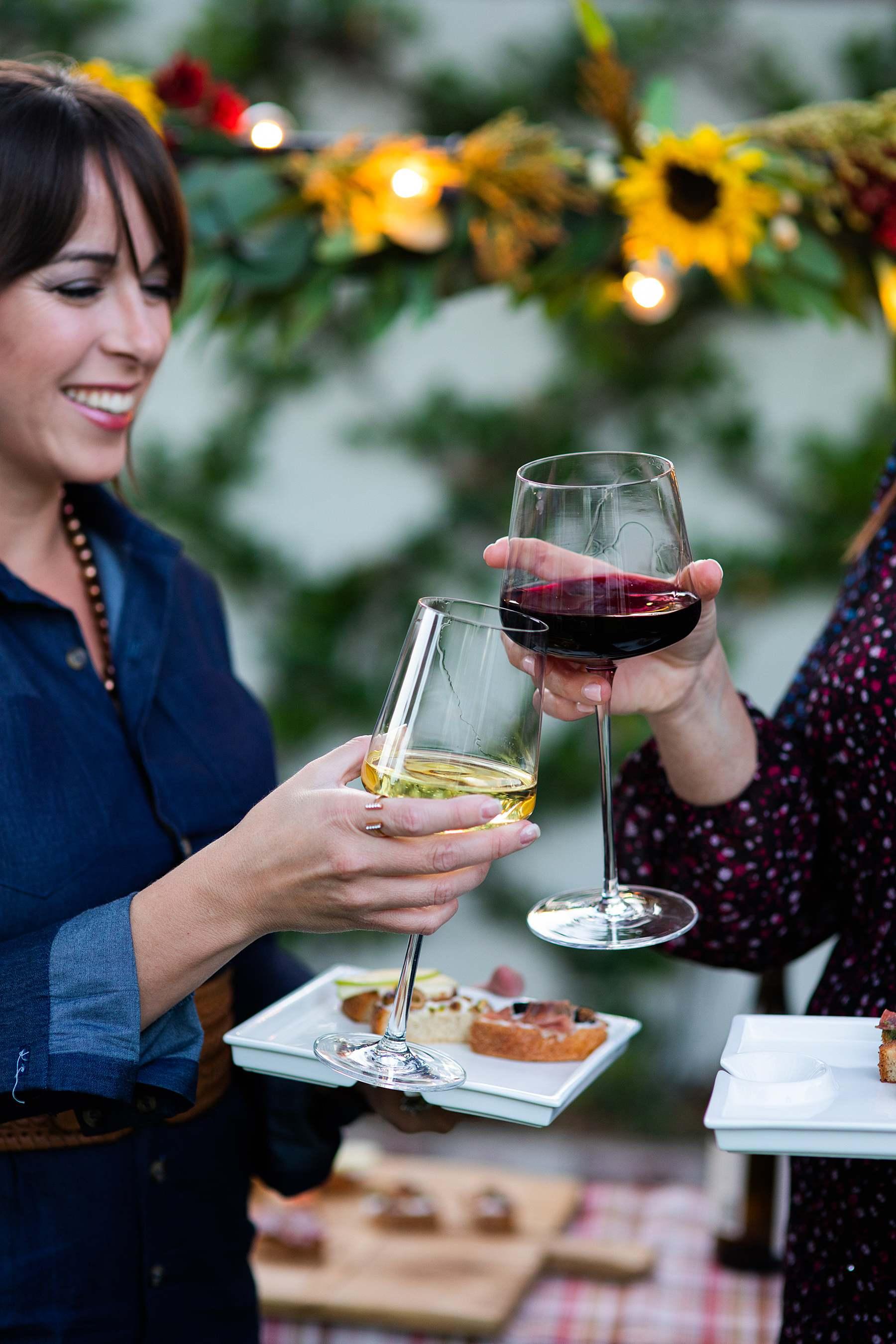 decoy wine night party Friendsgiving outdoor party catch up - Diana Elizabeth blog phoenix lifestyle entertaining hostess blogger