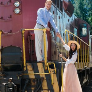 Diana Elizabeth lifestyle phoenix blogger skunk train photo fort Bragg