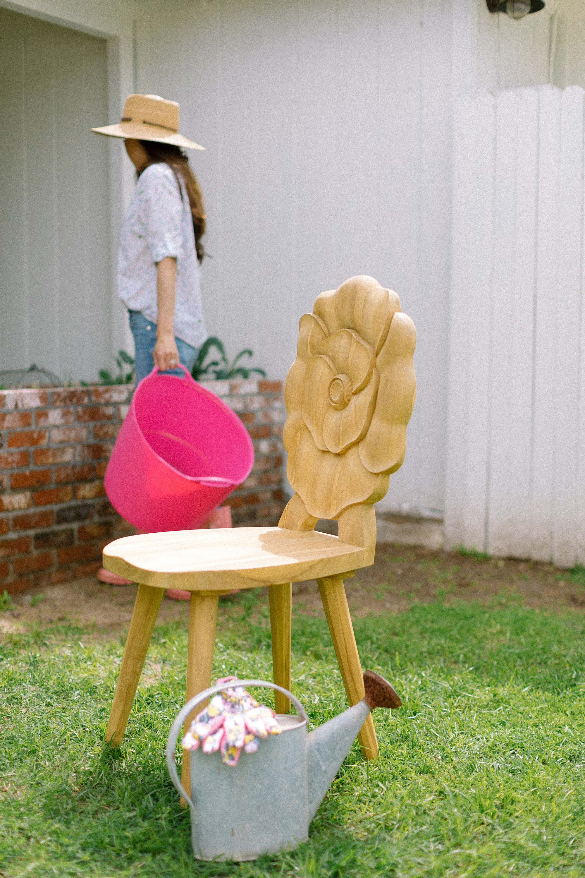 rose popup flower teak chair