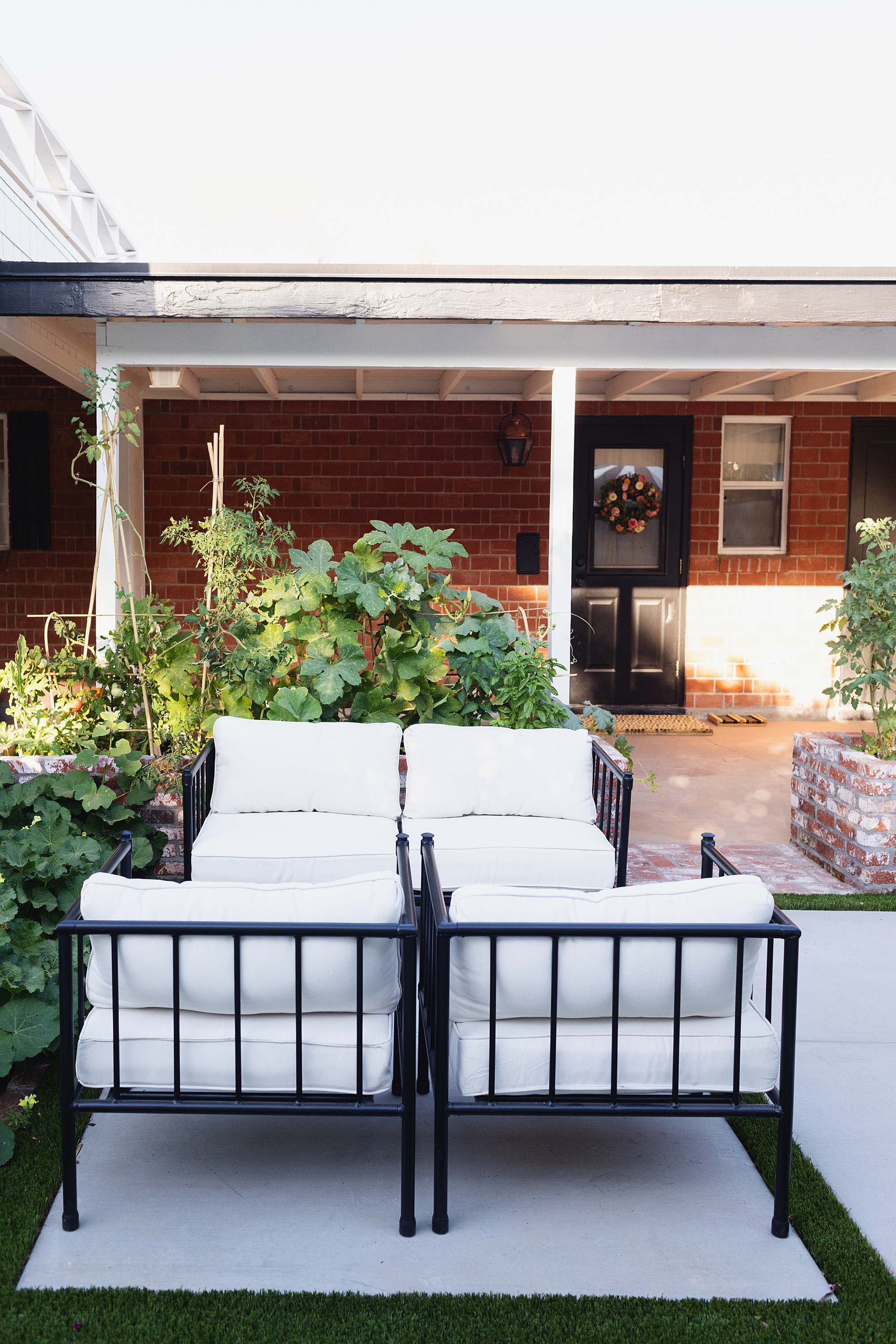 patio furniture metal black and white - AFTER photos of new #garden area see post