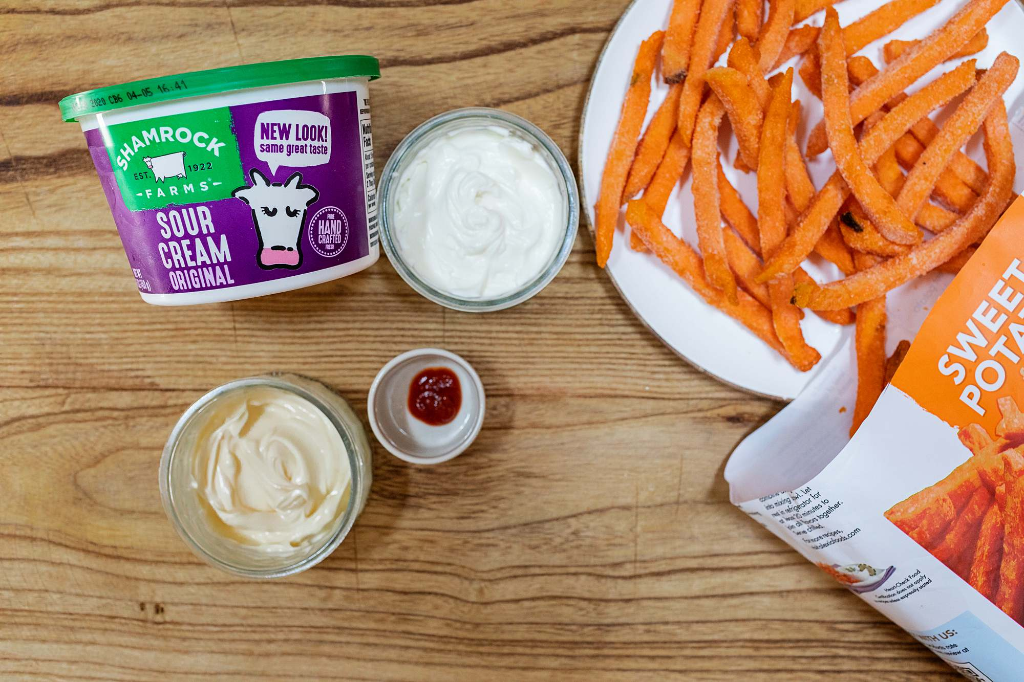 ingredients for easy 3 ingredients dip for sweet potato fries