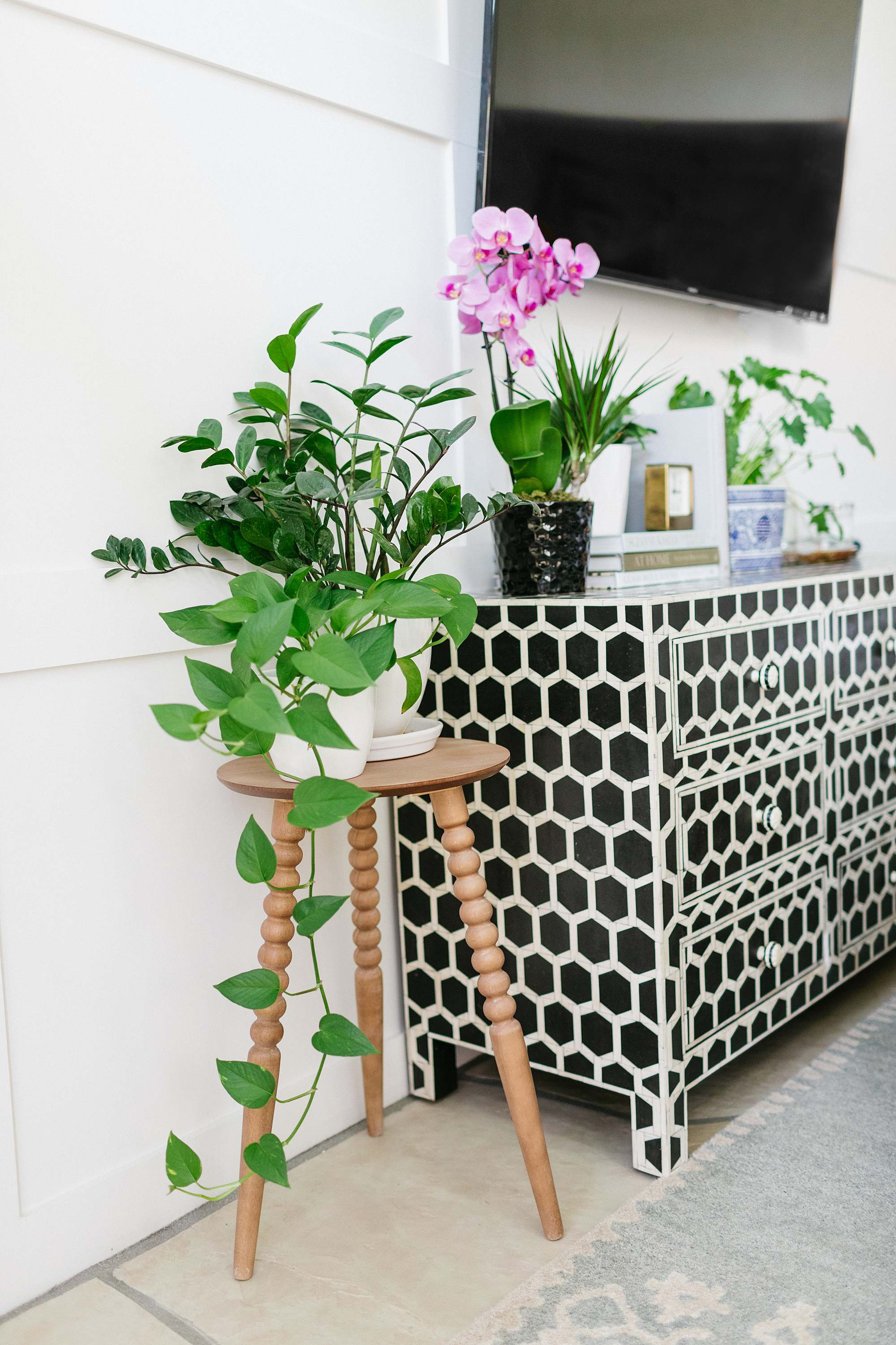 bed bath and beyond spindle side table under $40