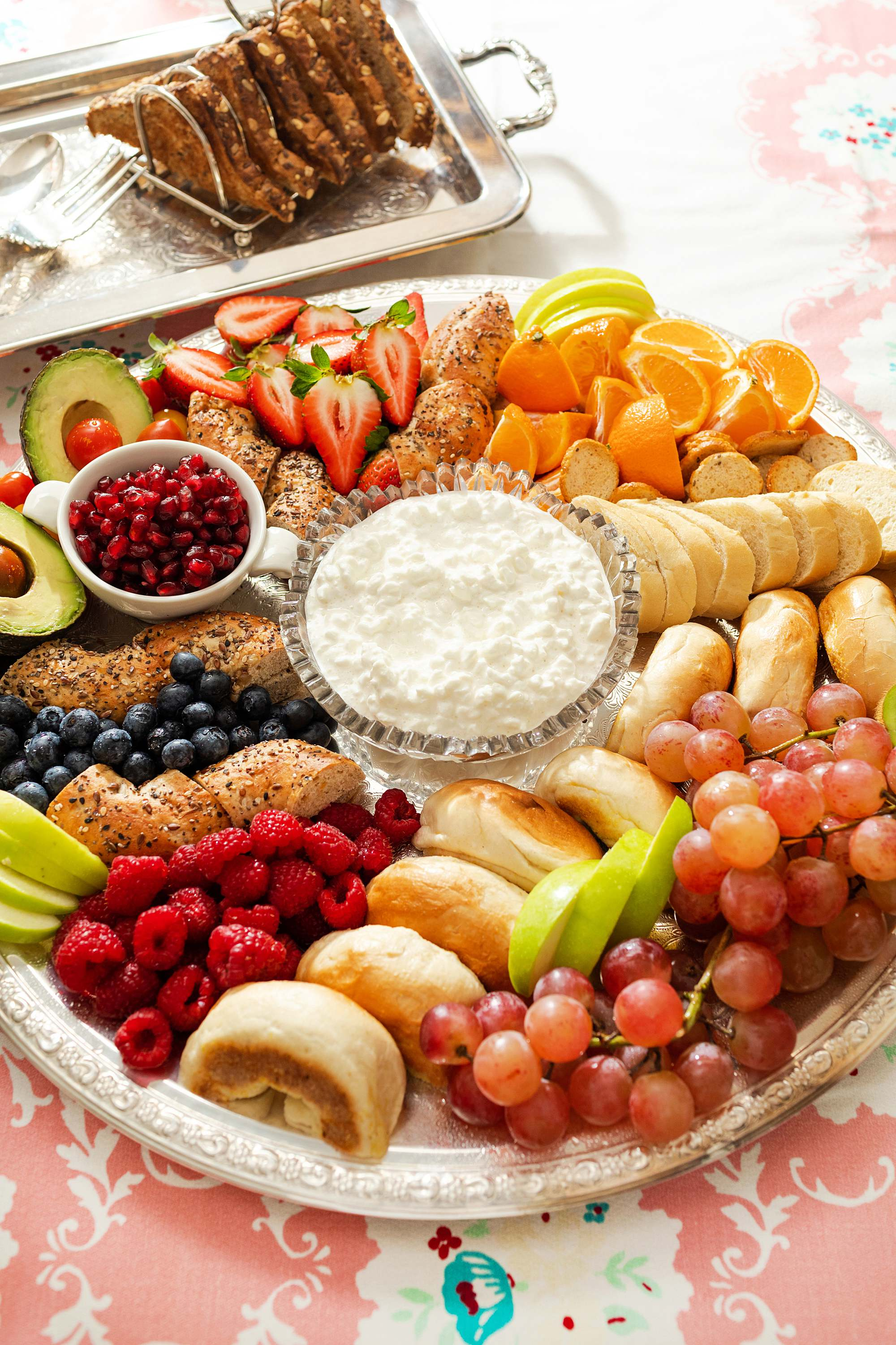 breakfast board ideas bagel cottage cheese fruit board