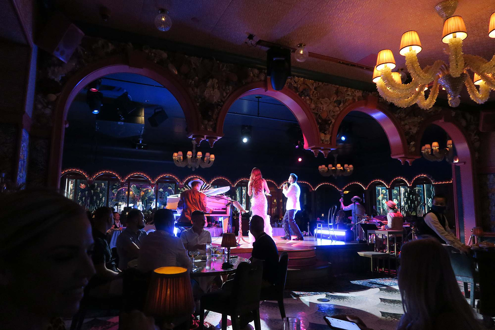 mayfair at bellagio restaurant entertainment where to eat