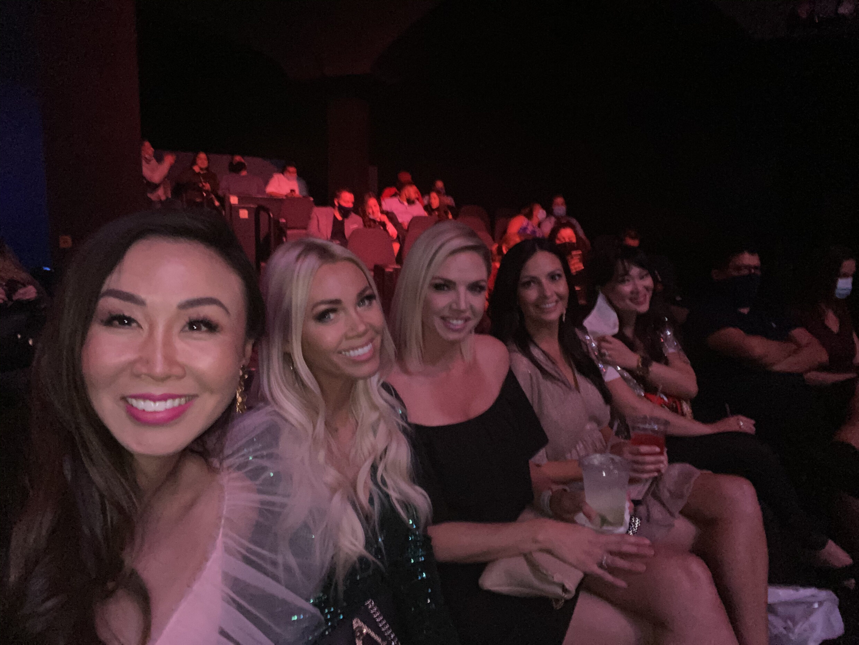 The V variety show las Vegas