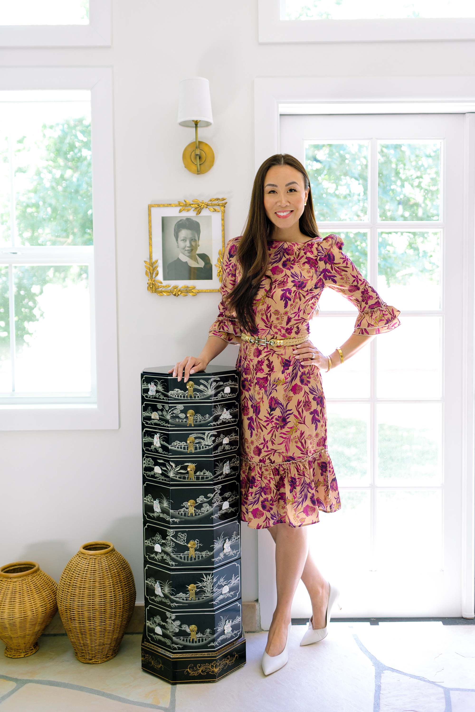 antique estate sale shopping tips and etiquette and how to find an estate sale