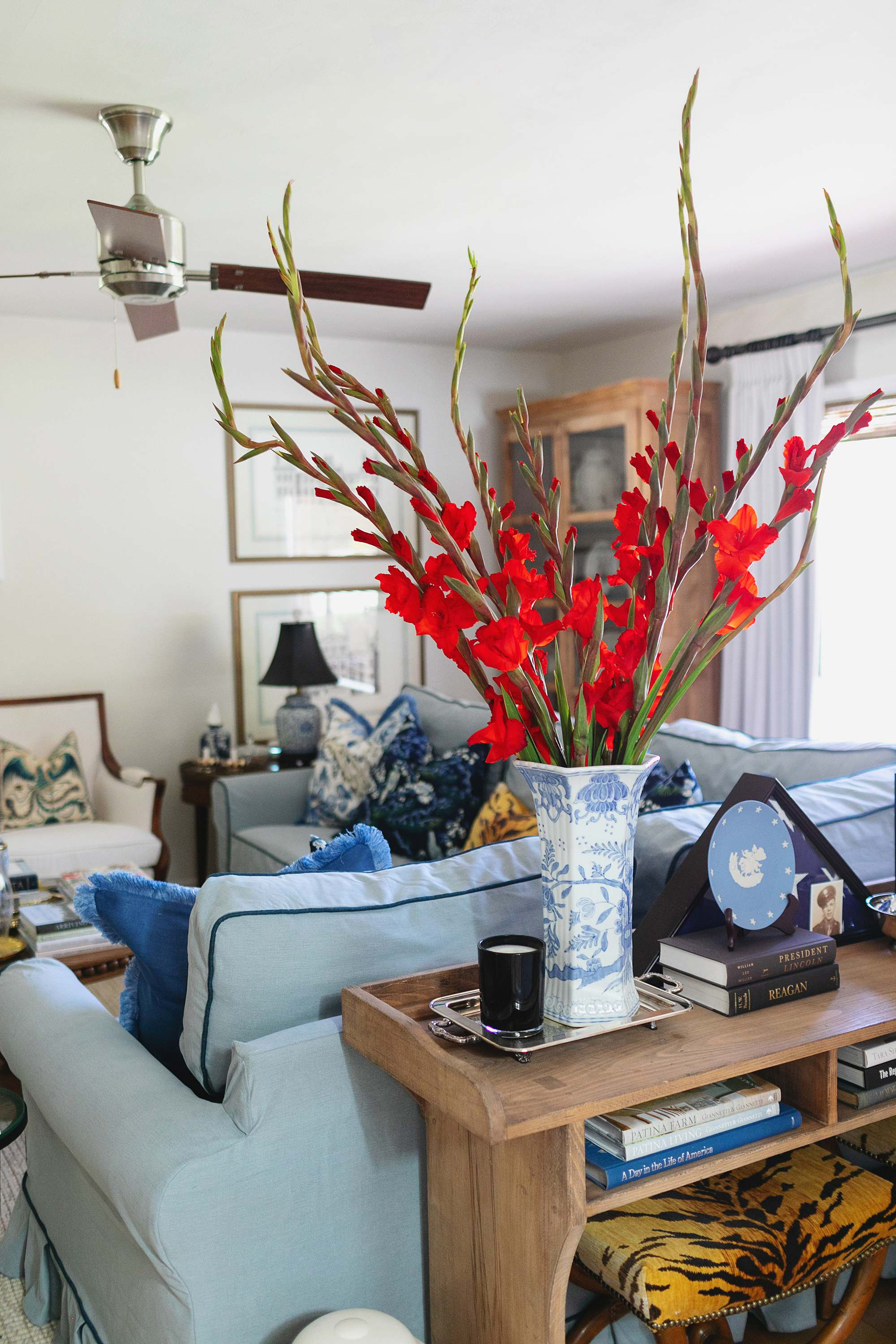 alabaster living room red flowers with blue and white living room